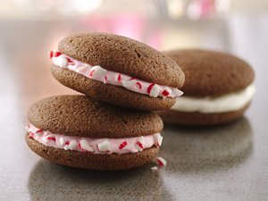 Pink&#32;Peppermint&#32;Whoopie&#32;Pies