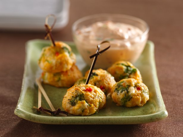 Sriracha Veggie-Cheese Balls and Sauce