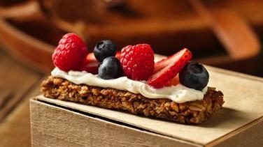 Berries and Cream Granola Bars