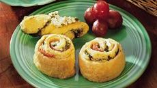 Pesto Crescent Twists with Feta Spread Recipe