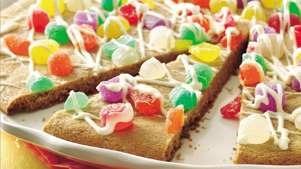 Sugarplum Cookie Pizza