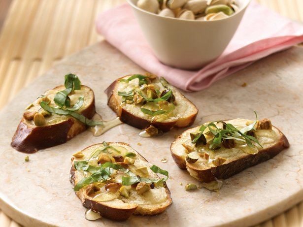 Mascarpone and Pistachio Toasts