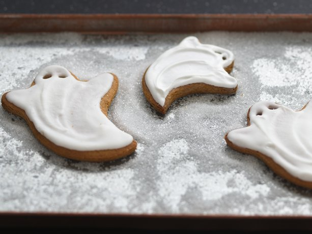 "Simply ""Spooky"" Ghost Cookies"