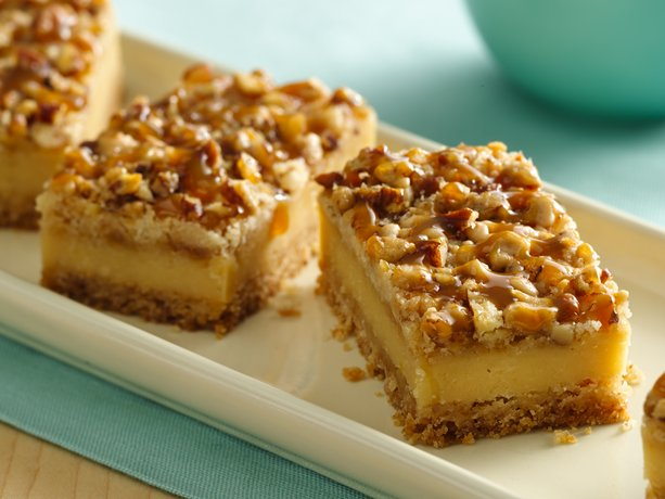 Praline Cake With Caramel Cream Cheese Filling