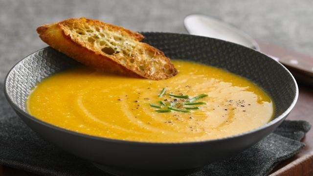 Apple-Cinnamon Butternut Squash Soup