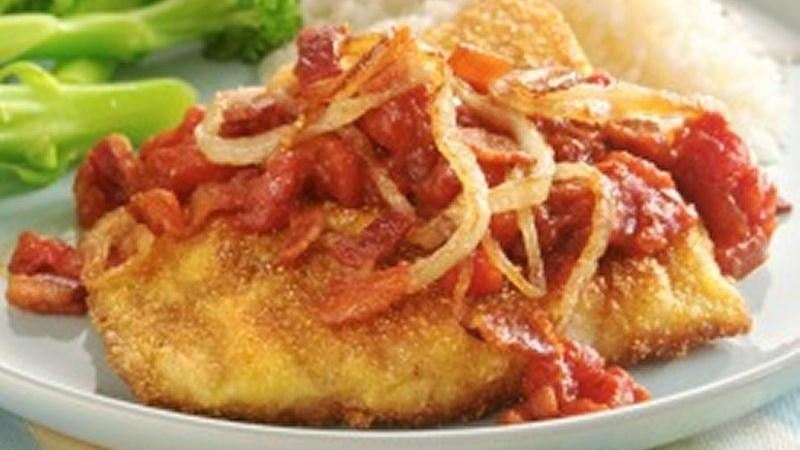 Fish with Bacon, Onion and Tomatoes