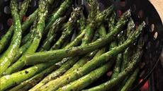 Lemon-Pepper Grilled Asparagus Recipe
