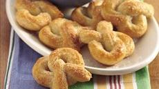 Mini Soft Pretzels and Dip Recipe
