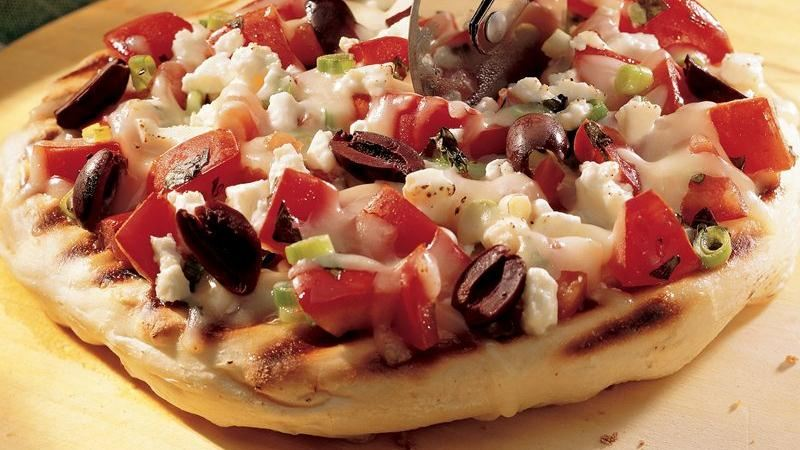 Grilled Greek Pizza recipe from Betty Crocker