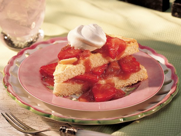 Image of Almond Shortcake With Strawberry-rhubarb Sauce, Betty Crocker
