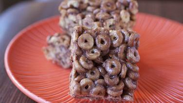 Hazelnut-Cocoa Cheerios® Bars