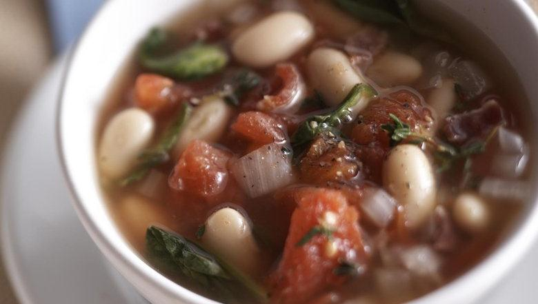 Healthified Tuscan White Bean Soup