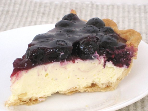 Fresh Blueberry Cheesecake Pie