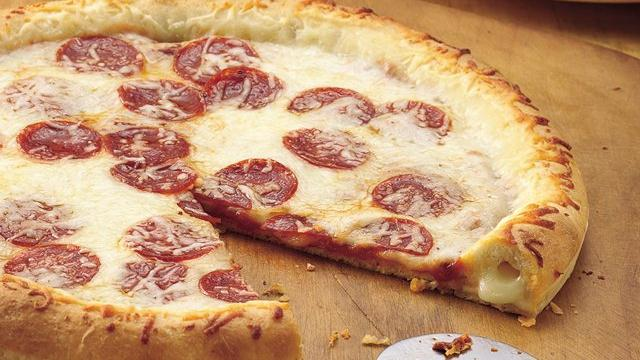 Stuffed-Crust Pizza recipe from Pillsbury comStuffed Crust Pizza