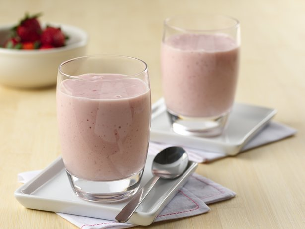 Easy Strawberry Banana Smoothies
