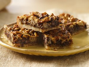 Chocolate&#32;Pecan&#32;Pie&#32;Bars