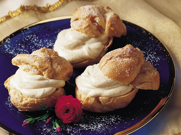 Eggnog Cream Puffs