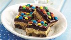 Candy-Topped Creamy Peanut Butter Bars Recipe