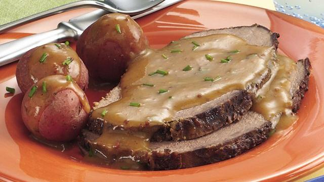 Slow Cooker Bavarian Beef Roast with  Gravy