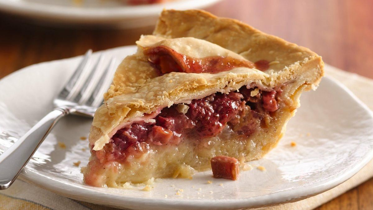 Strawberry Rhubarb Pie - Life Made Delicious