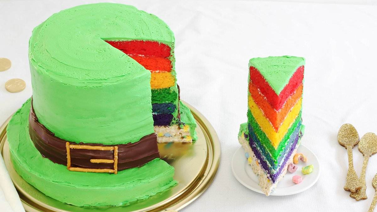Lucky Charms Leprechaun Hat Cake