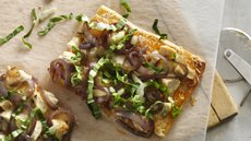 Sweet and Spicy Chicken Flatbread Recipe
