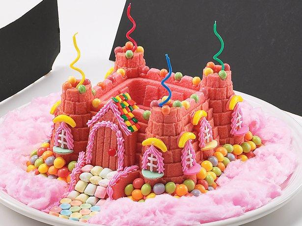Castle Bundt Cake Decorating