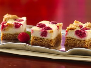 Yogurt&#32;Raspberry&#32;Cheesecake&#32;Bars