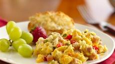 Crowd-Pleasing Scrambled Eggs Recipe