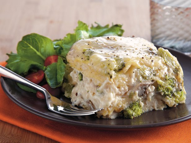 Slow Cooker Chicken Broccoli Lasagna