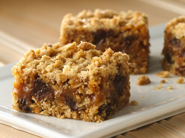 Gluten Free Oatmeal Caramel Bars