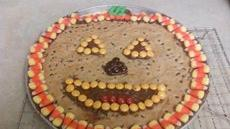 Jack-o-Lantern Halloween Cookie Pizza Recipe