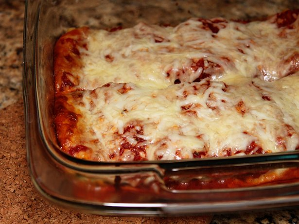 Freeze-Ahead Spinach-Cheese Lasagna Rolls