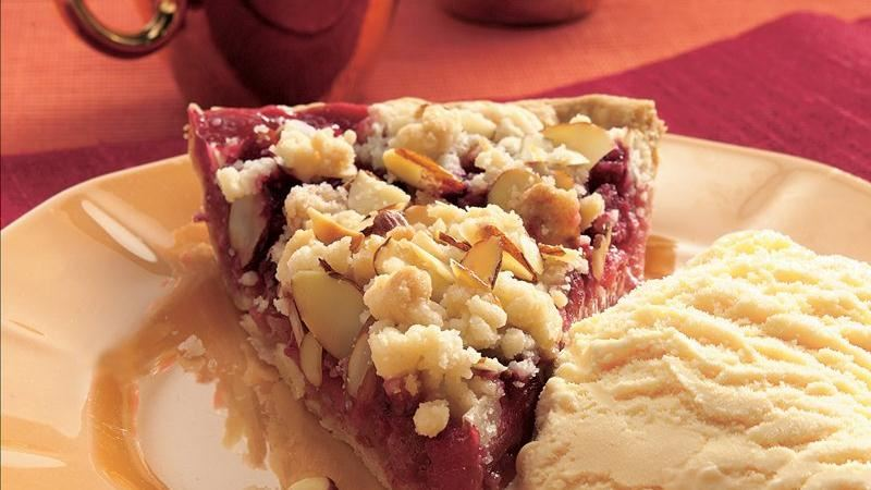 Raspberry-Apple Crumb Pie