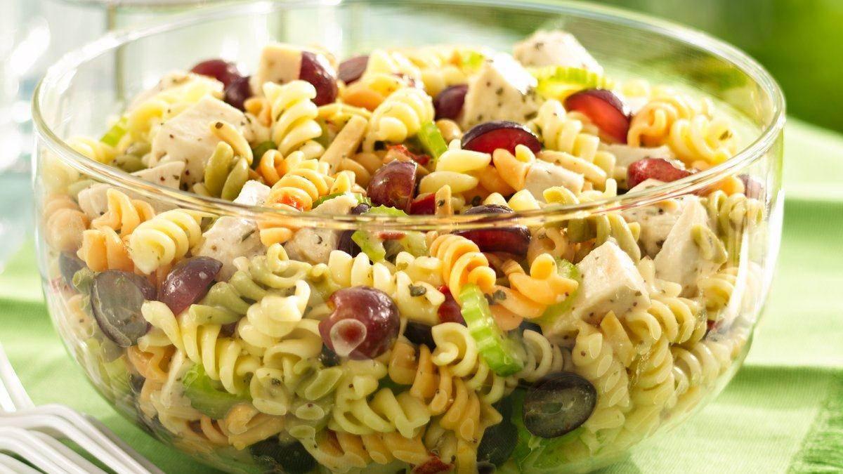 Теплые салаты с макаронами рецепты