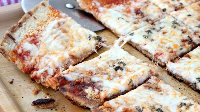 Crispy Grilled Italian Pizza