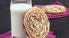 Lacy Spiderweb Sandwich Cookies Recipe