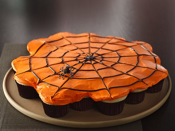 Pull-Apart Spiderweb Cupcakes