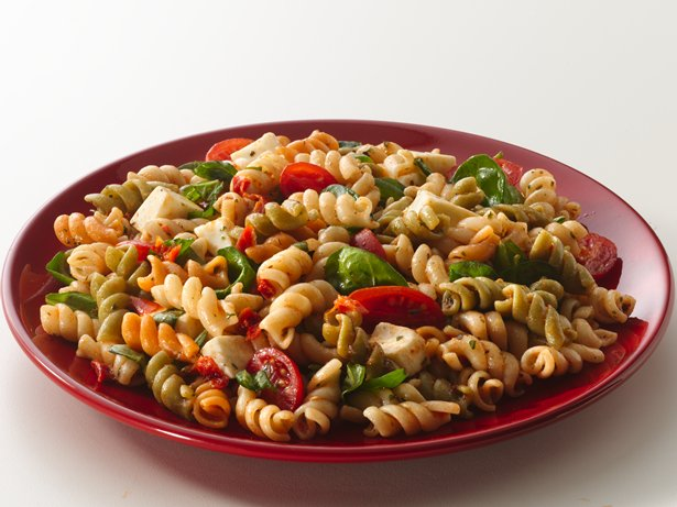 Tuscan Style Tomato Pasta Salad