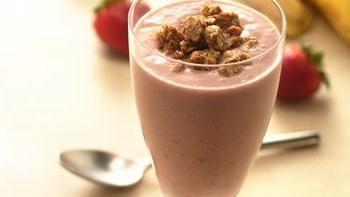 Granola Berry-Banana Smoothies