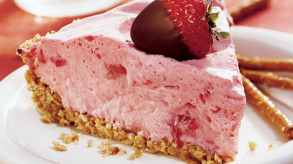 Fluffy Strawberry Pie recipe from Pillsbury.com