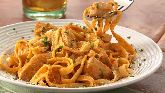 Chicken Fettuccine A La Fuente