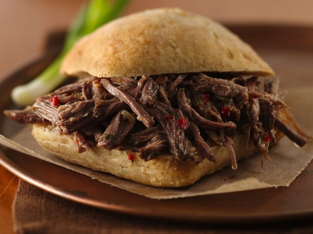 Slow Cooker Tangy Italian Beef Sandwiches