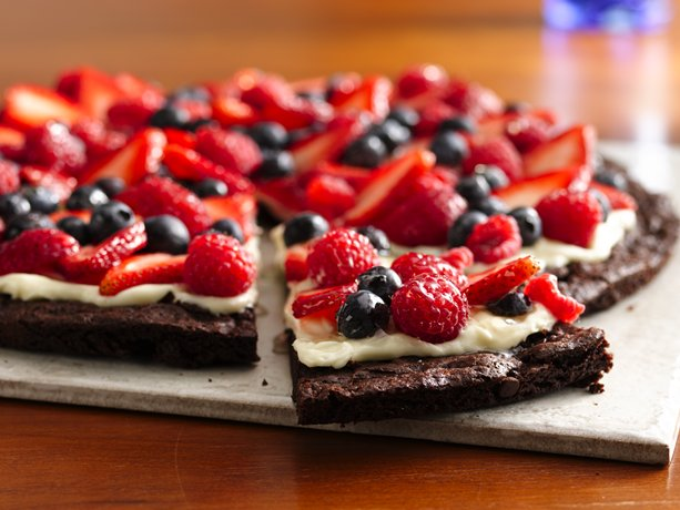 Gluten Free Brownie 'n Berries Dessert Pizza