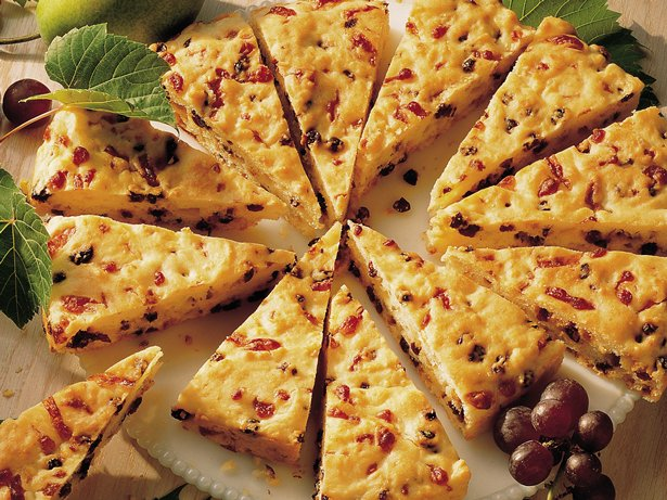 Cheese and Currant Wedges