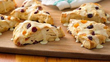 ... cheesy surprise cornbread biscuits chicken taco stew in bread bowls
