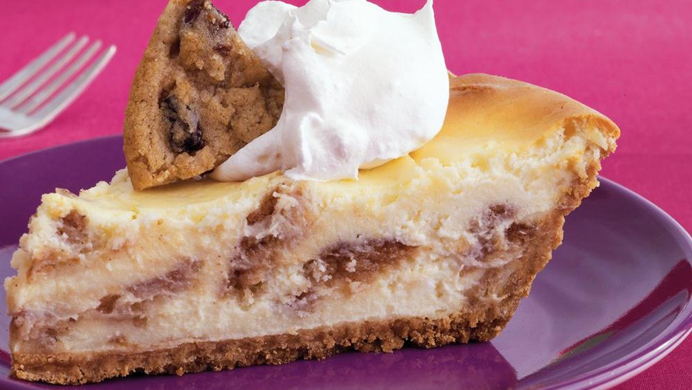 Oatmeal Raisin Cookie Cheesecake