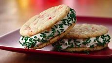 Frozen Peppermint Cookie-Wiches Recipe