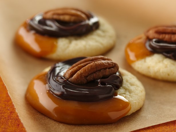 Caramel-Fudge Turtle Cookies