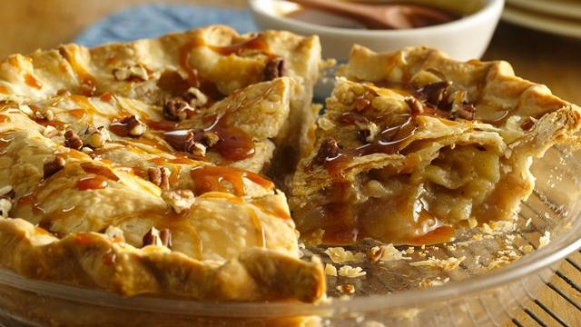 Caramel-Pecan-Apple Pie